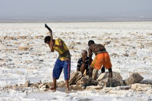 Ethiopia Asebo Salt Flats (Salt Mining, EastAfricaTourOperator.net